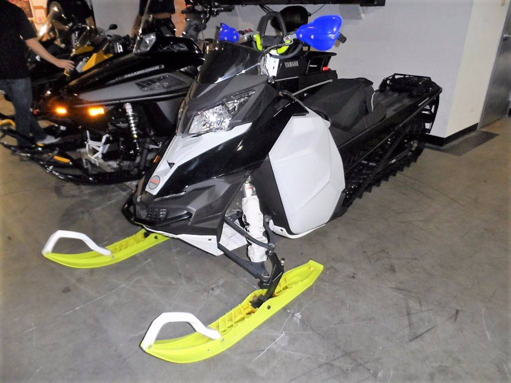 2014 Ski-Doo Summit® SP E-TEC 800R 163 in Woodinville, Washington