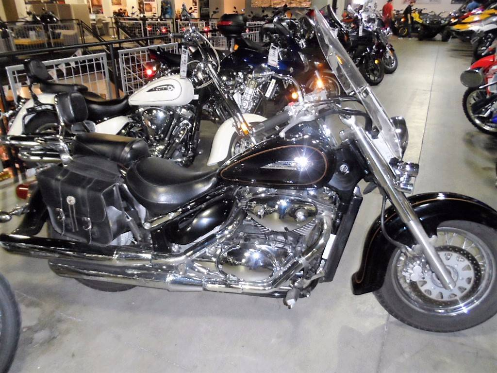 2003 Suzuki Intruder® Volusia in Woodinville, Washington