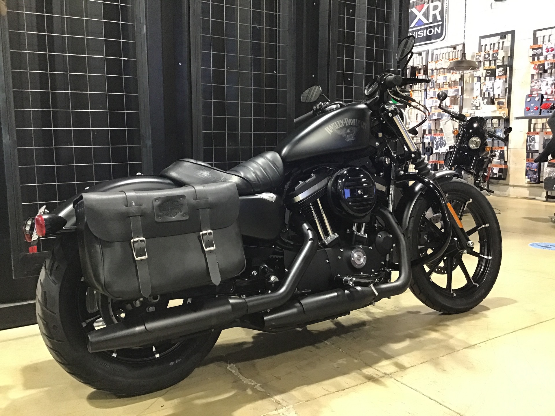 2017 Harley-Davidson Iron 883™ in San Francisco, California - Photo 5