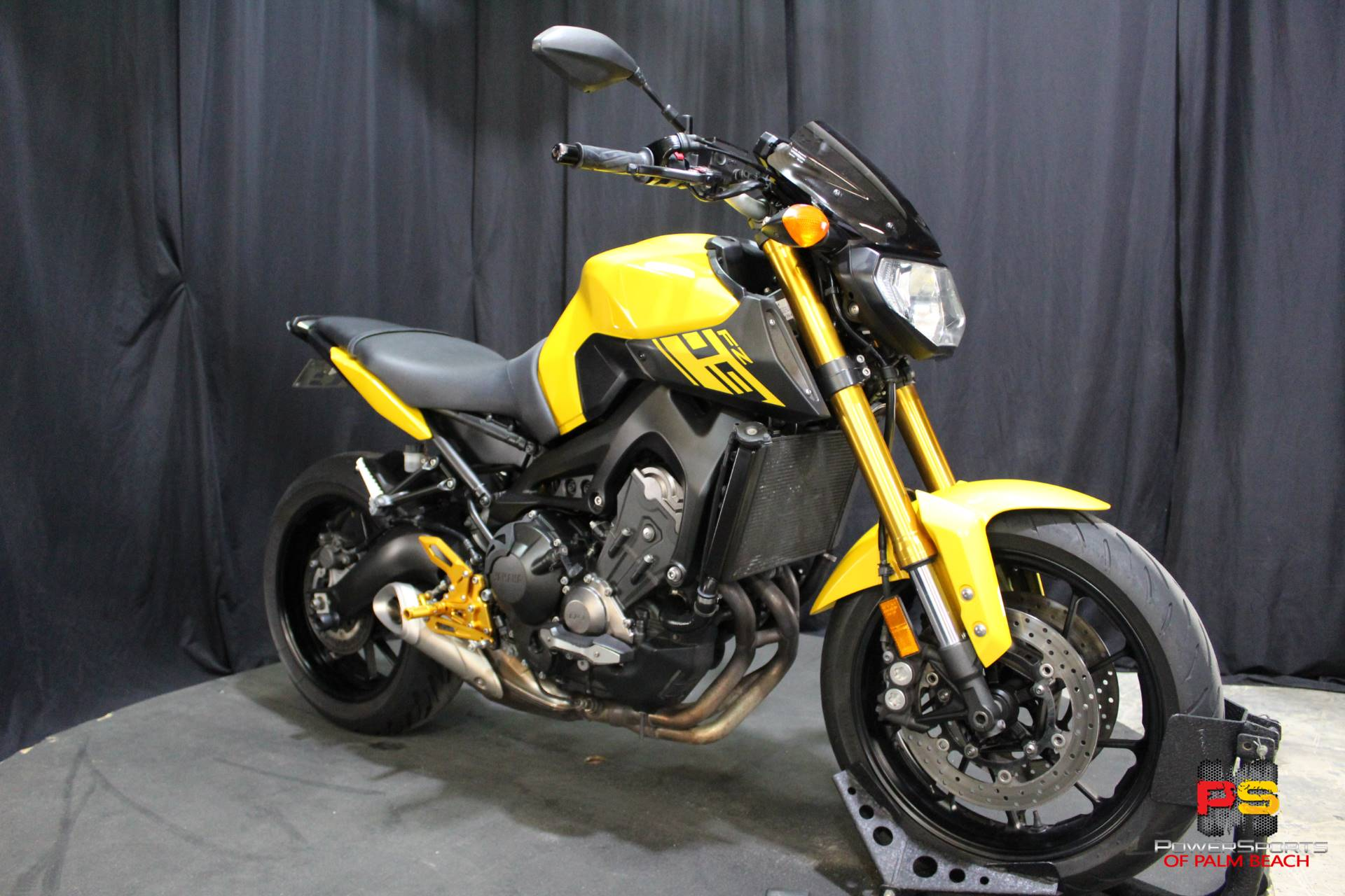 2015 Yamaha FZ-09 in Lake Park, Florida - Photo 8
