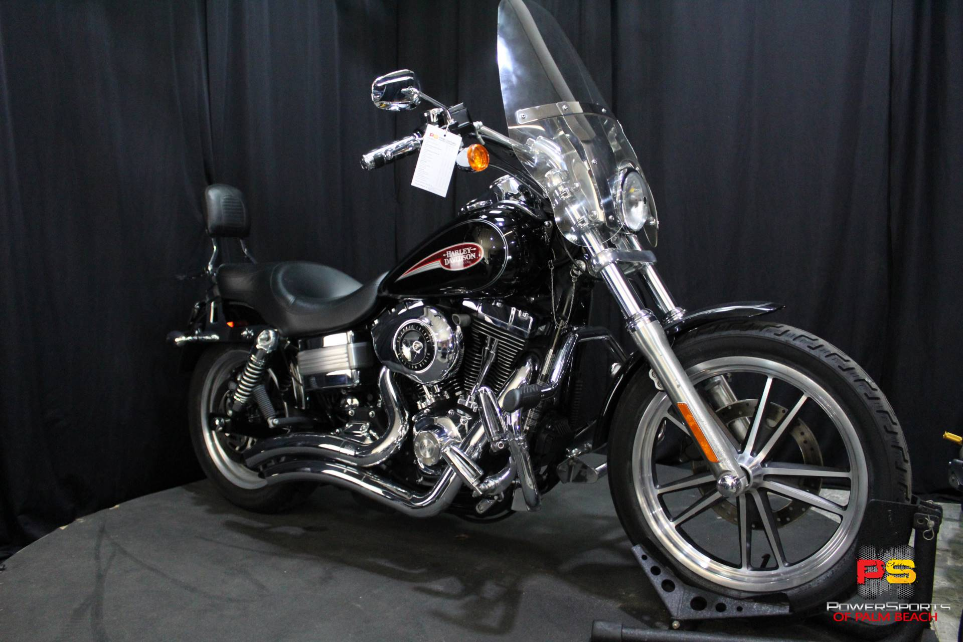 2008 Harley-Davidson Dyna Low Rider in Lake Park, Florida - Photo 8