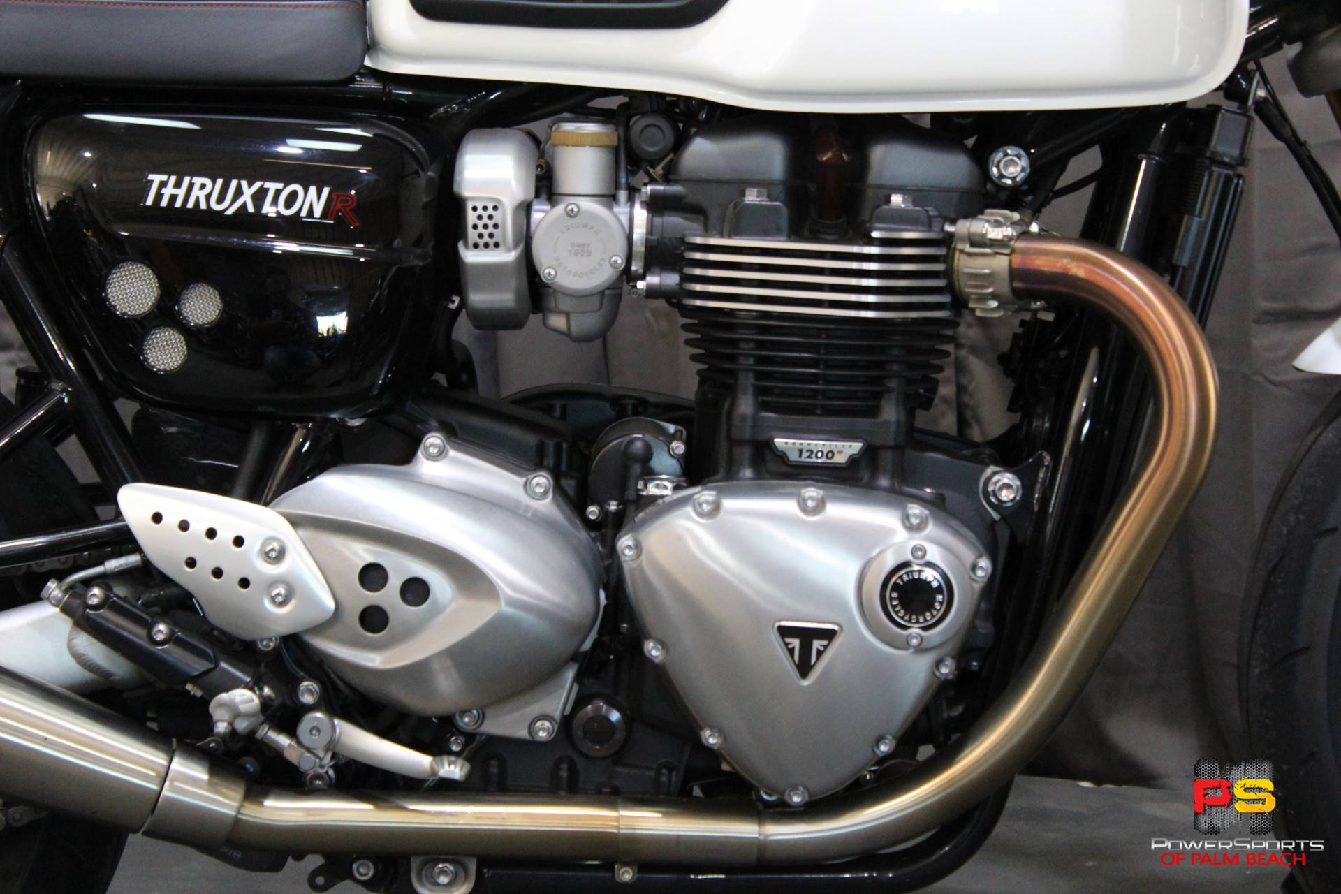 2018 Triumph Thruxton 1200 R in Lake Park, Florida - Photo 4