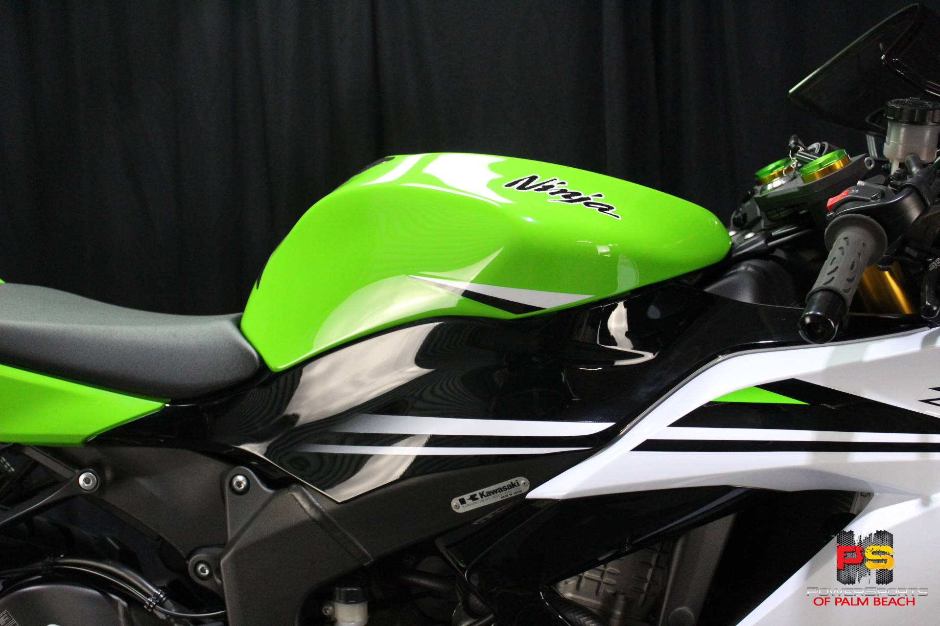 2015 Kawasaki Ninja® ZX™-6R ABS 30th Anniversary in Lake Park, Florida - Photo 5