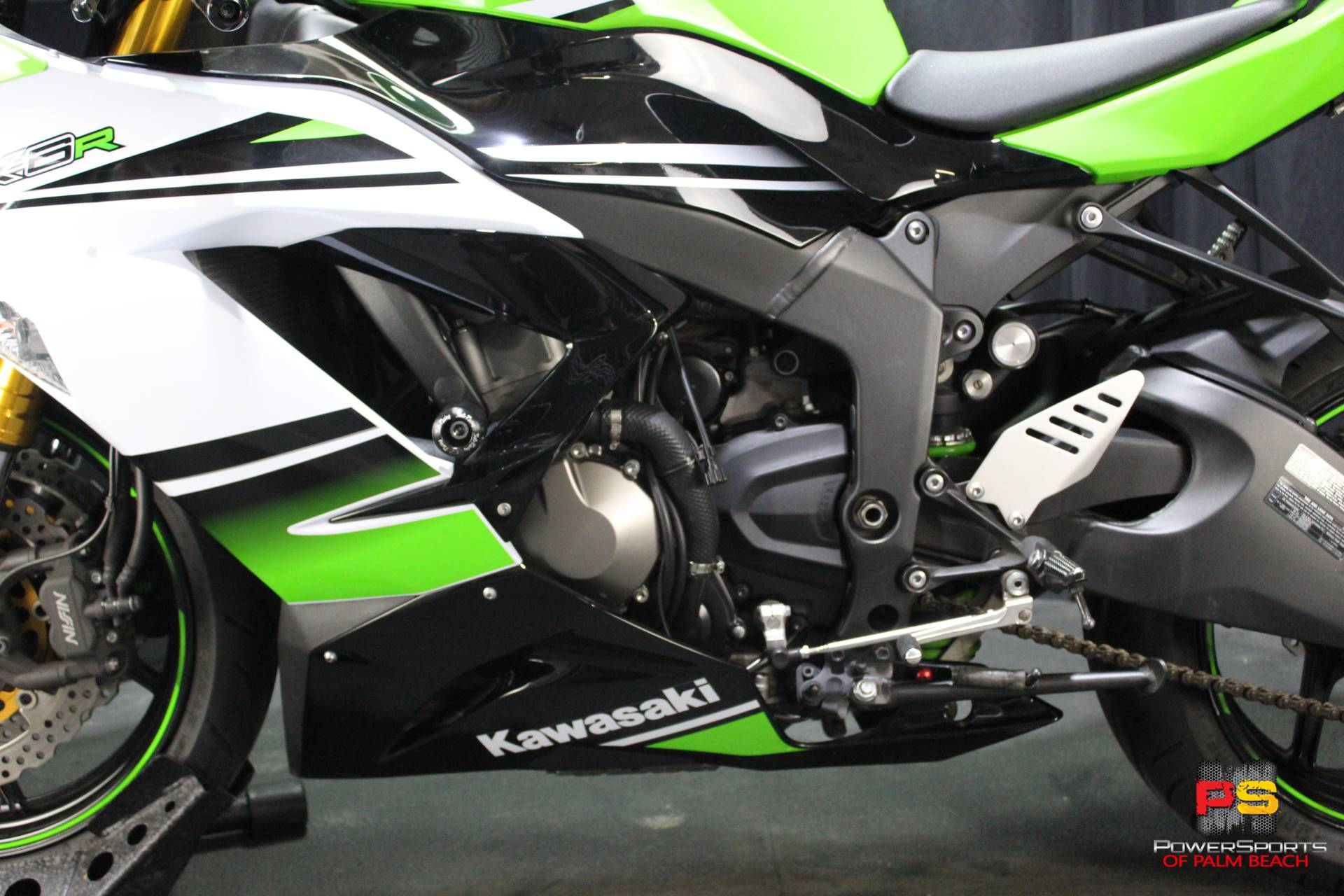 2015 Kawasaki Ninja® ZX™-6R ABS 30th Anniversary in Lake Park, Florida - Photo 20