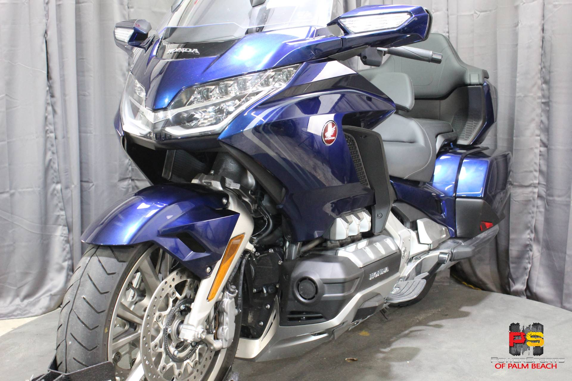 2018 Honda Gold Wing Tour Automatic DCT in Lake Park, Florida - Photo 14