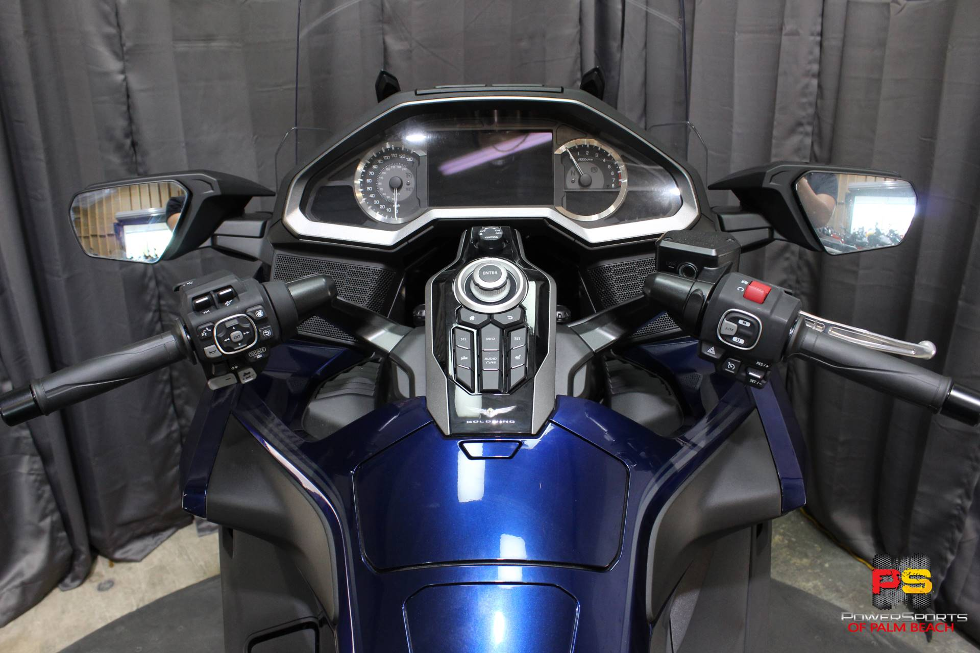 2018 Honda Gold Wing Tour Automatic DCT in Lake Park, Florida - Photo 41