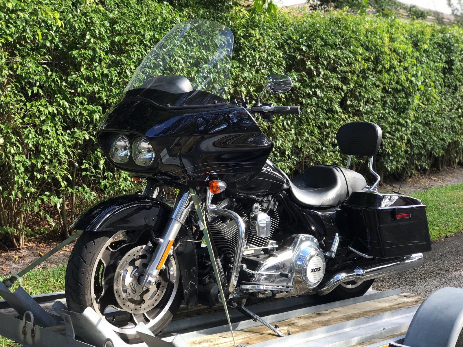 2013 Harley-Davidson Road Glide® Custom in Lake Park, Florida