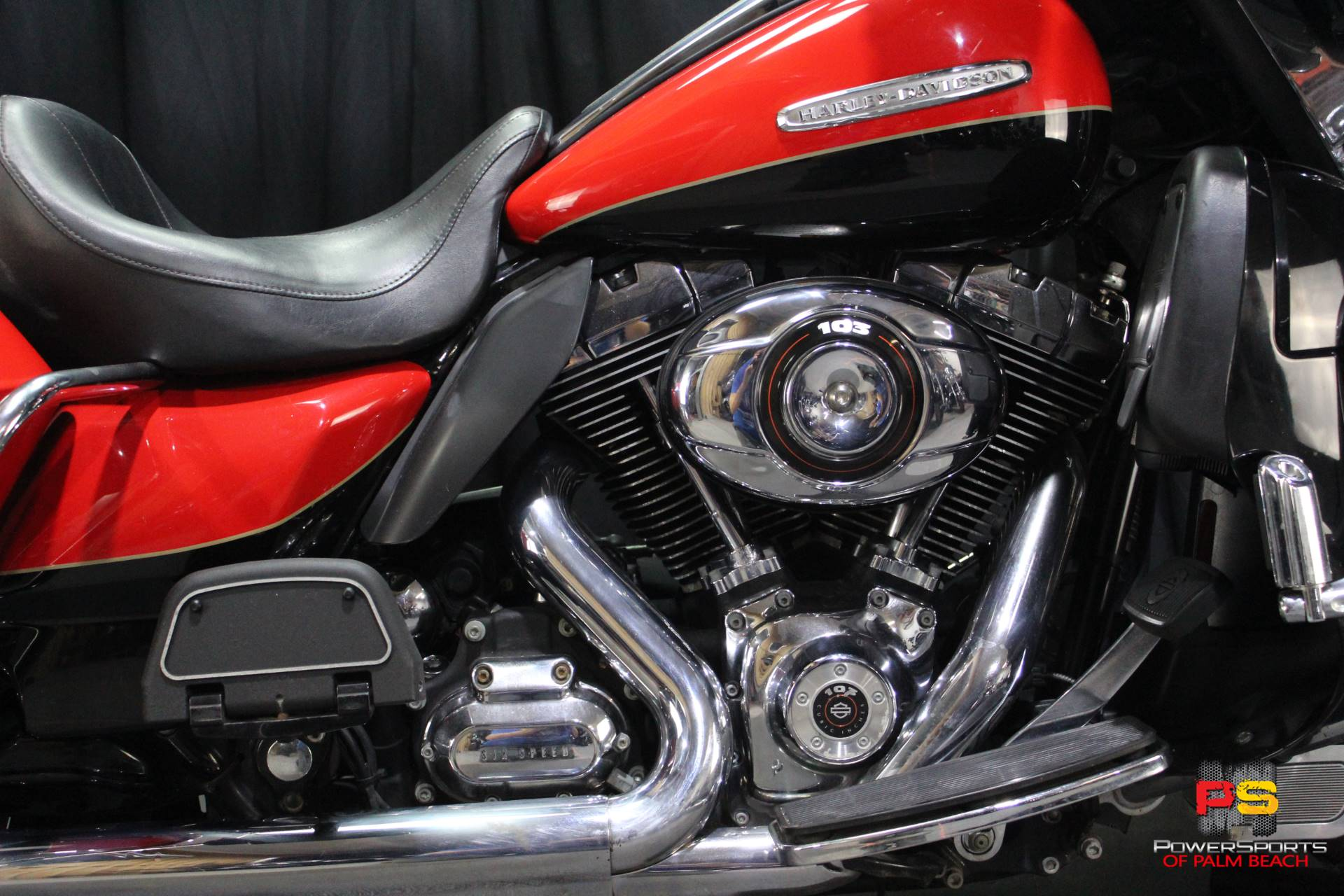 2010 Harley-Davidson Electra Glide® Ultra Limited in Lake Park, Florida - Photo 4
