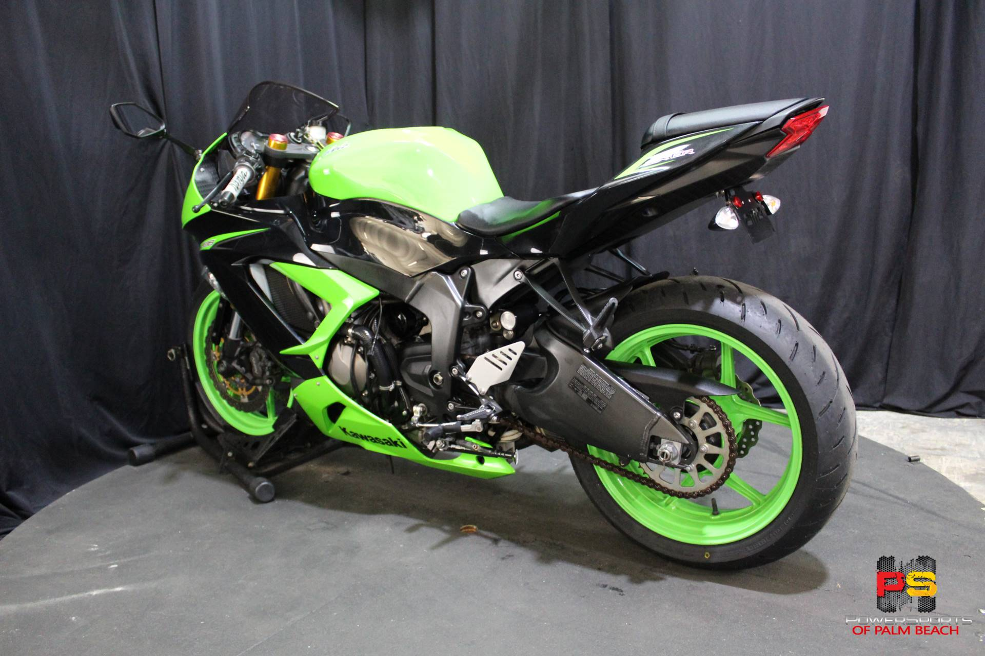 2013 Kawasaki Ninja® ZX™-6R in Lake Park, Florida - Photo 23