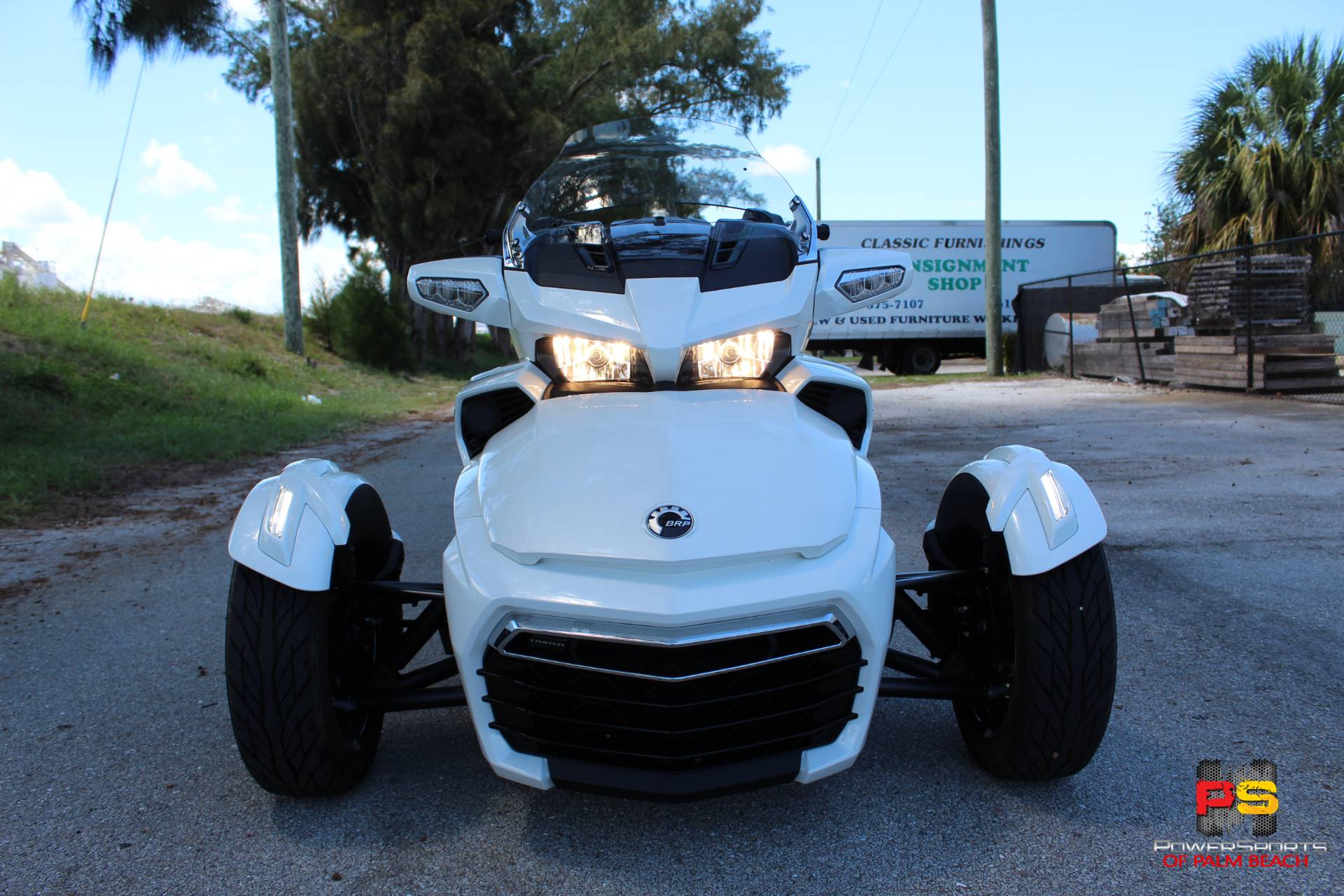 2016 Can-Am Spyder F3 Limited in Lake Park, Florida - Photo 4