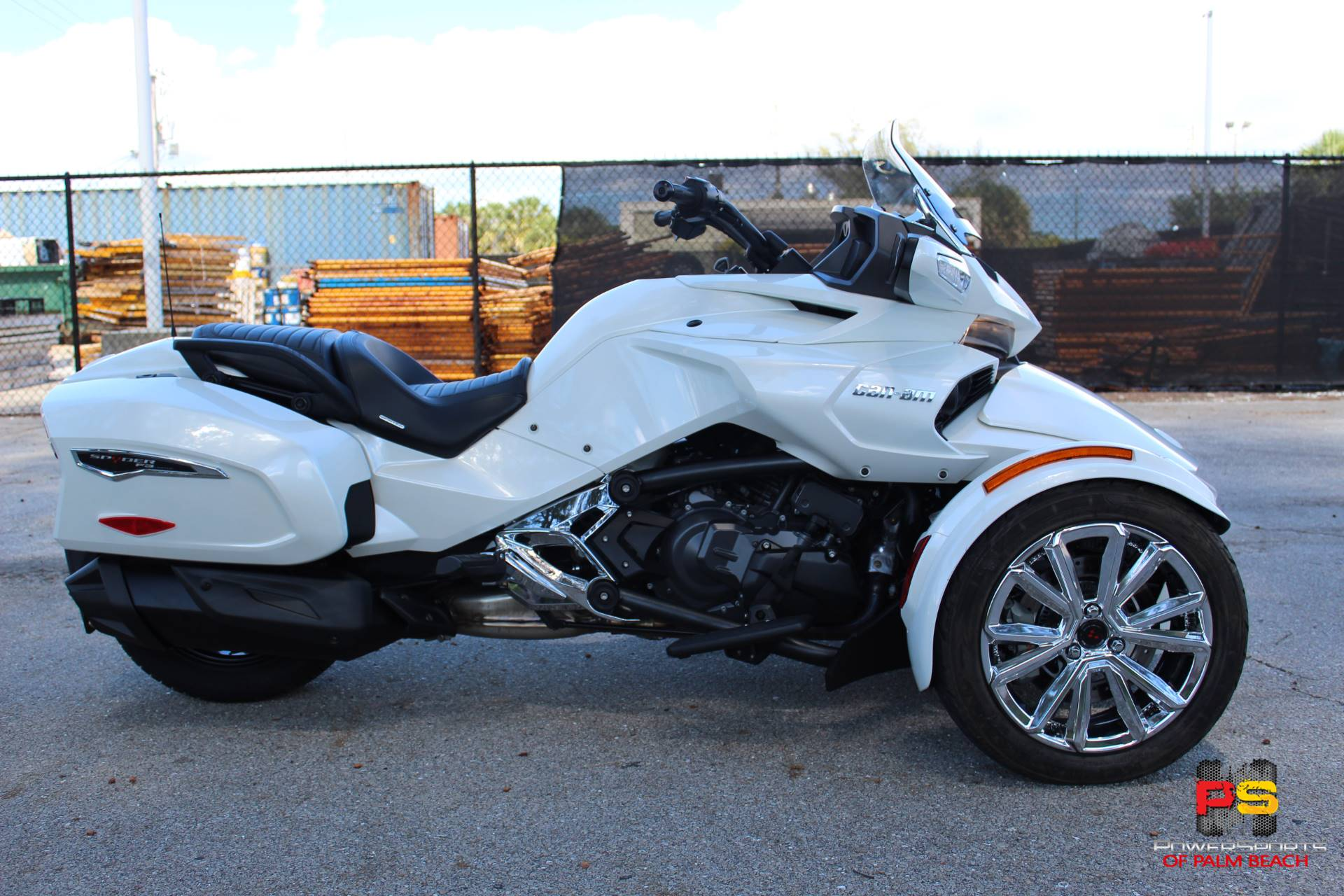 2016 Can-Am Spyder F3 Limited in Lake Park, Florida - Photo 6