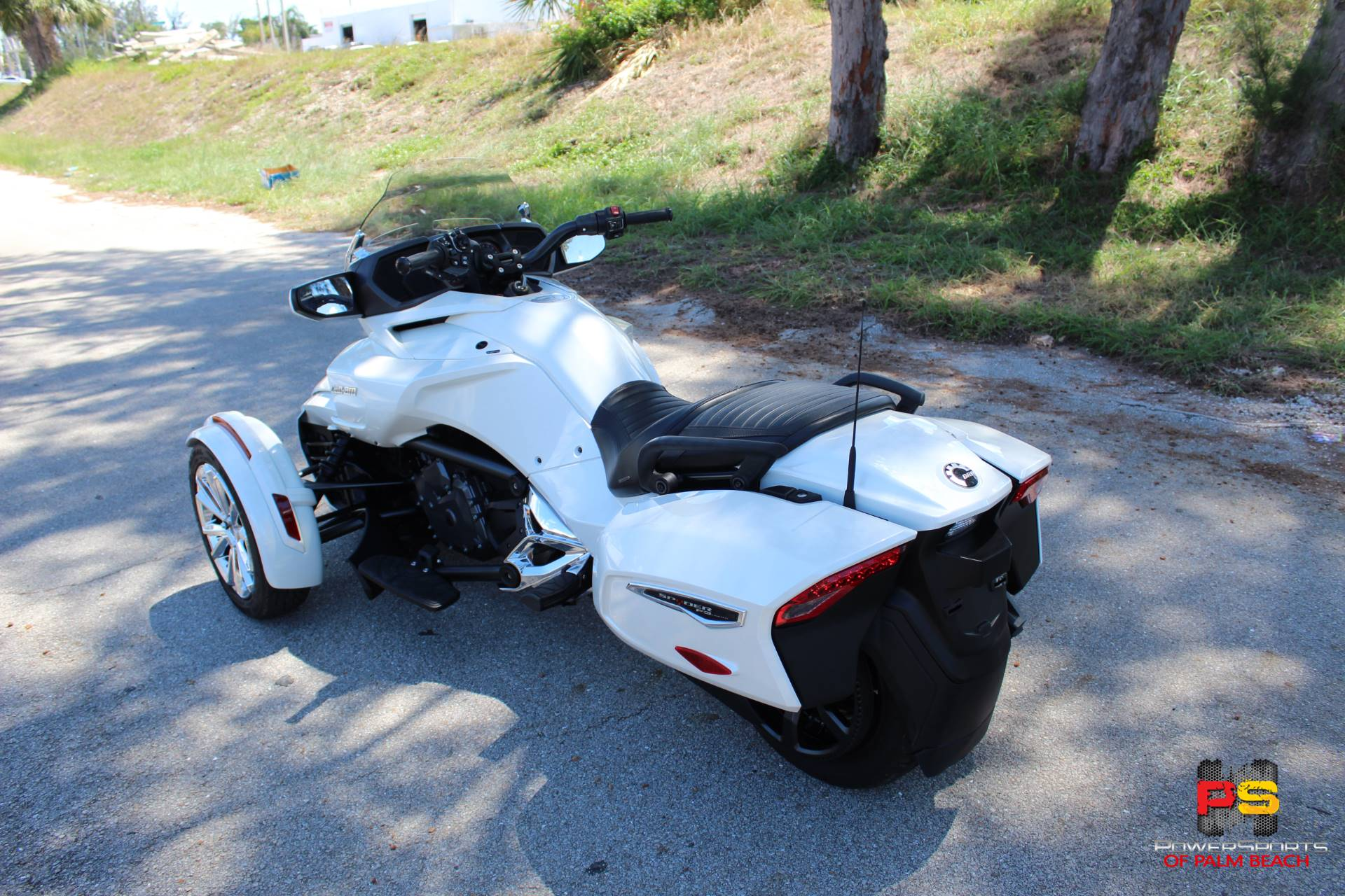 2016 Can-Am Spyder F3 Limited in Lake Park, Florida - Photo 9
