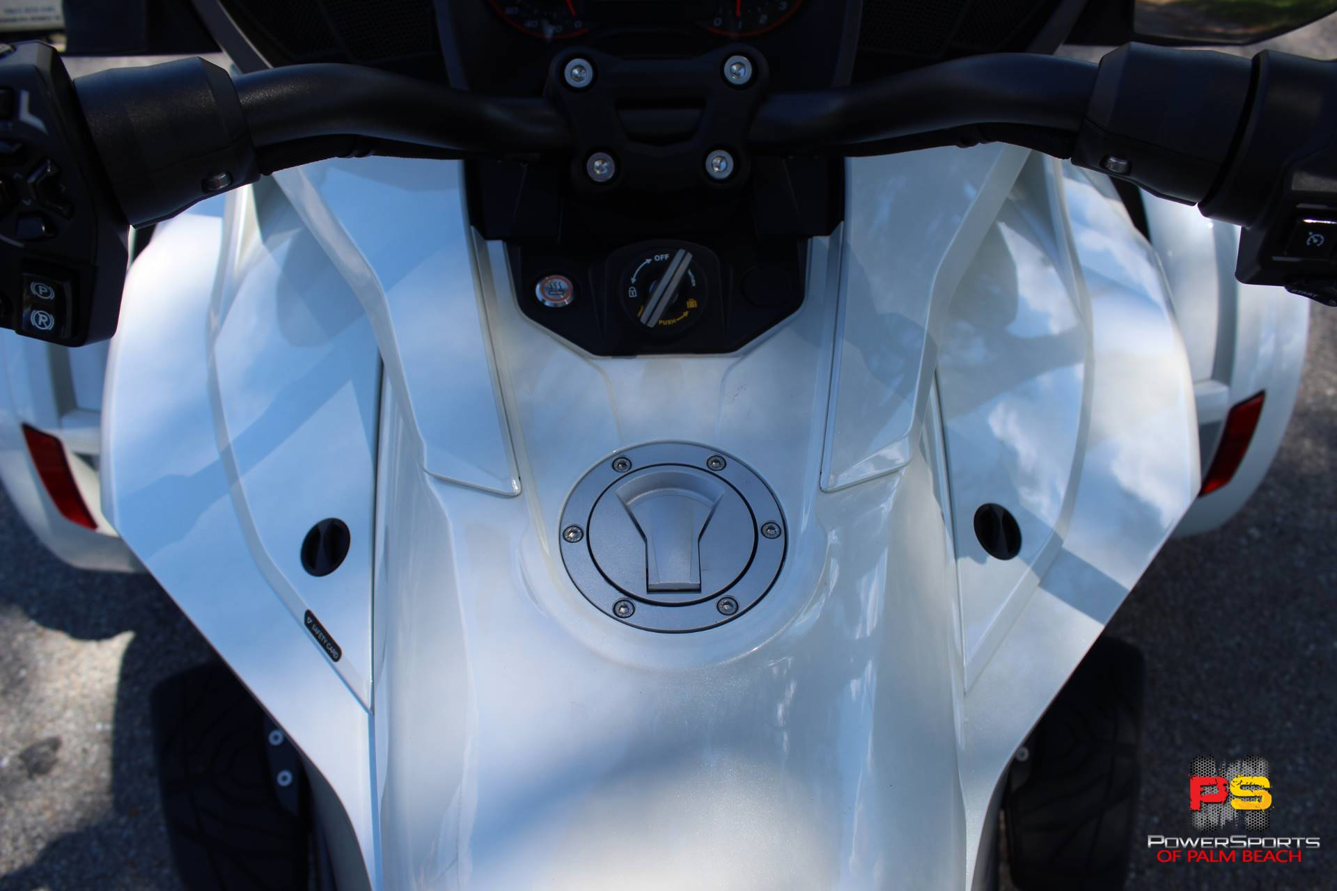 2016 Can-Am Spyder F3 Limited in Lake Park, Florida - Photo 19