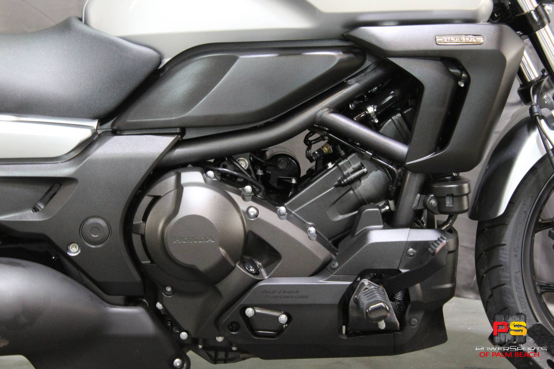 2015 Honda CTX®700N DCT ABS in Lake Park, Florida - Photo 6