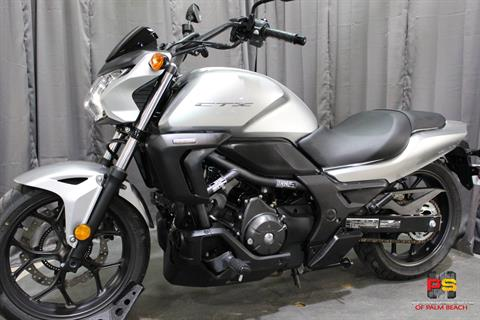 2015 Honda CTX®700N DCT ABS in Lake Park, Florida - Photo 17