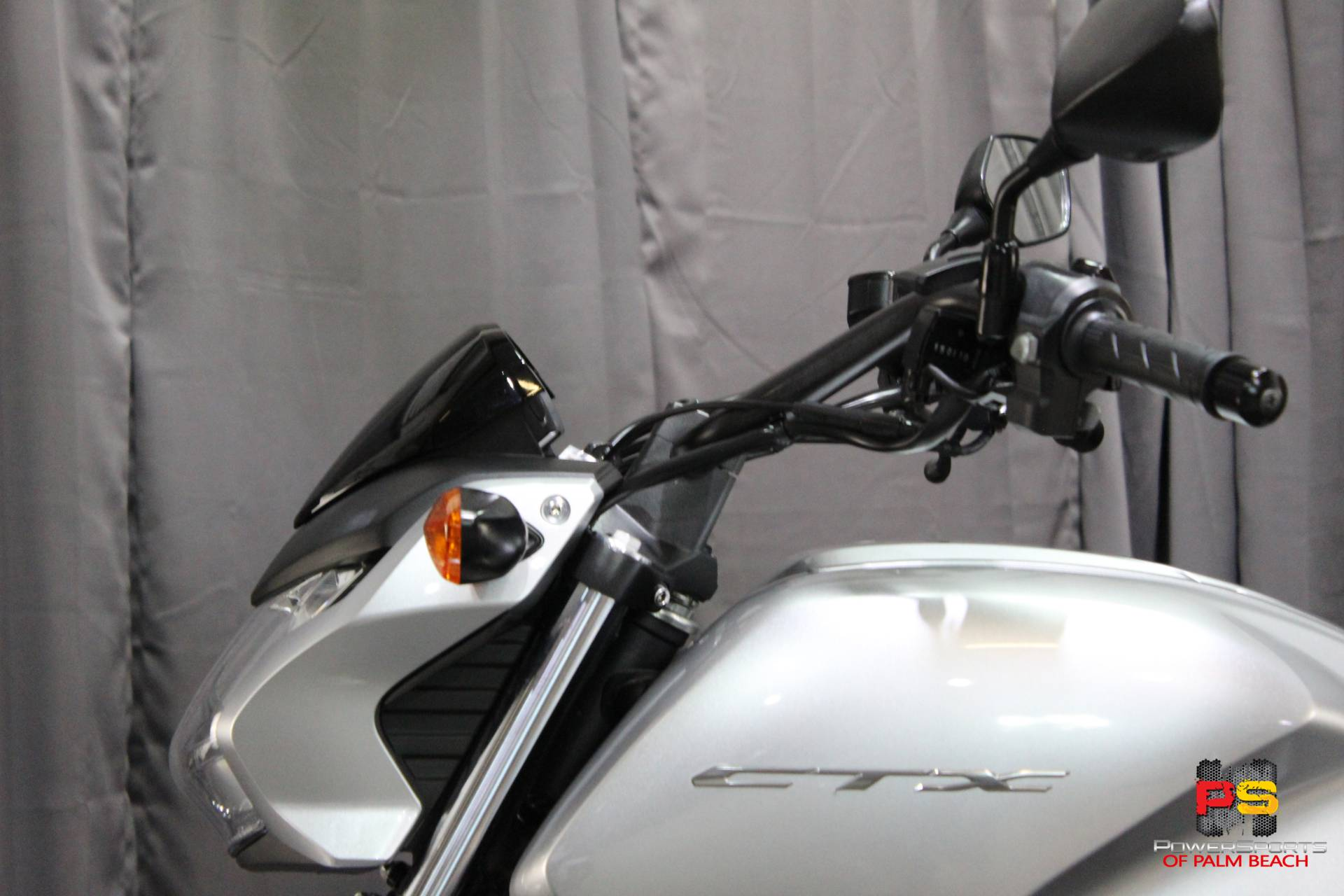 2015 Honda CTX®700N DCT ABS in Lake Park, Florida - Photo 20