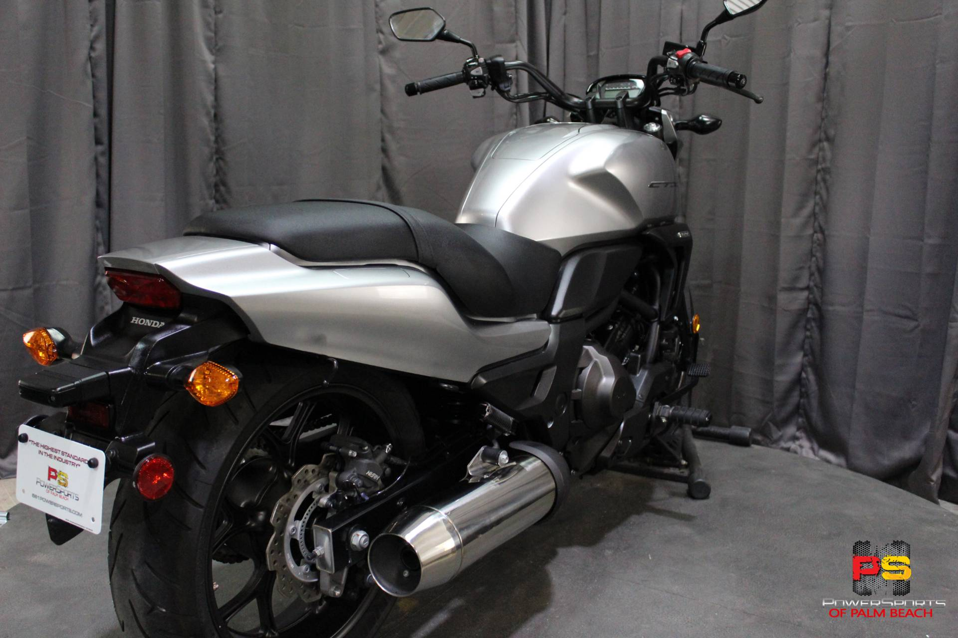 2015 Honda CTX®700N DCT ABS in Lake Park, Florida - Photo 31