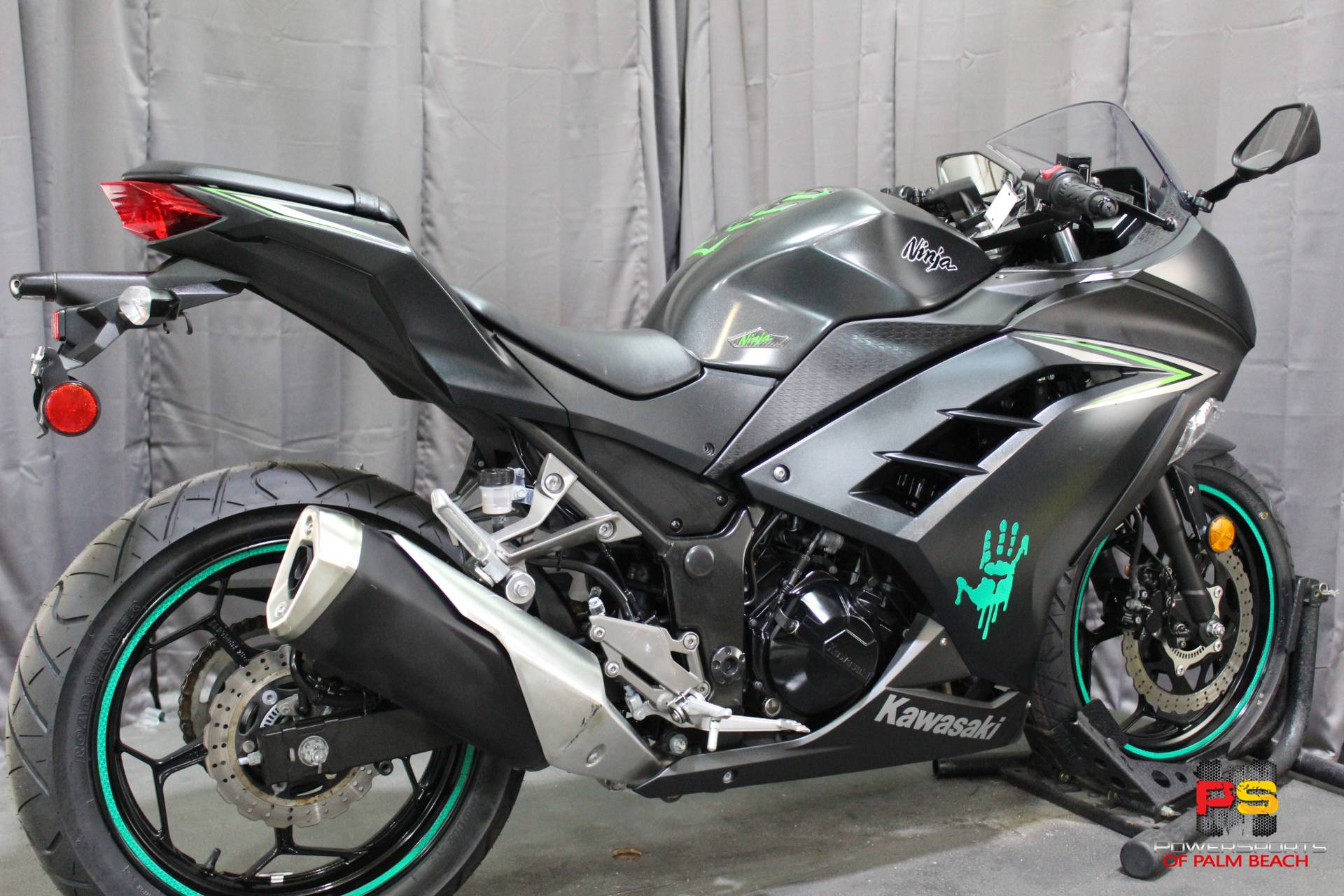 2016 Kawasaki Ninja 300 ABS in Lake Park, Florida - Photo 17