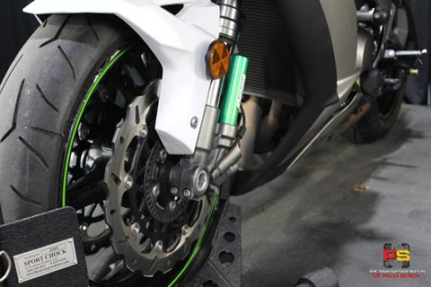 2017 Kawasaki Ninja ZX-10R in Lake Park, Florida - Photo 13