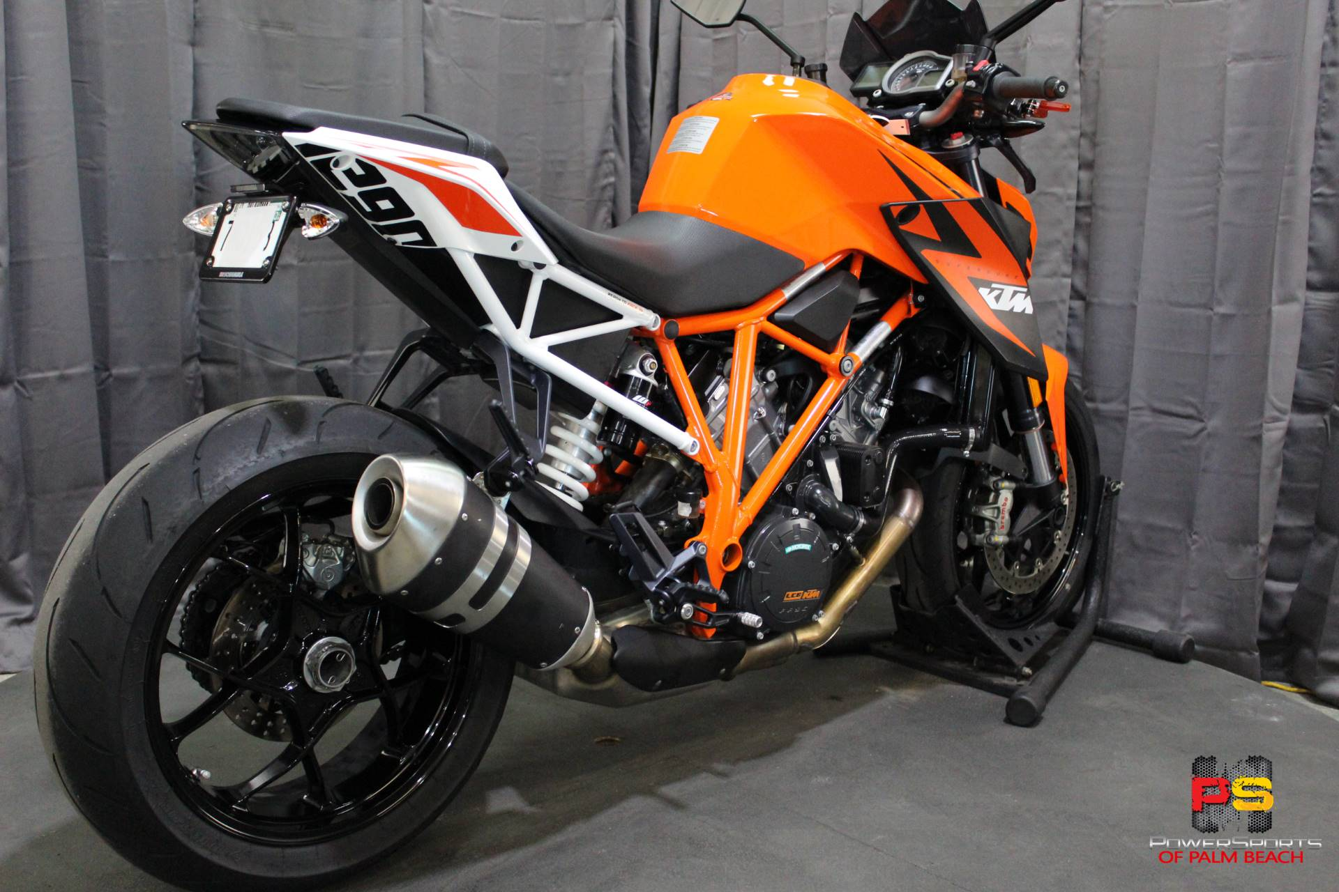 2016 KTM 1290 Super Duke R in Lake Park, Florida - Photo 30