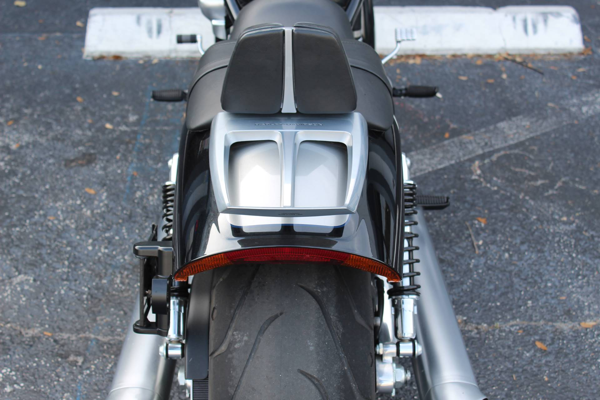 2013 Harley-Davidson V-Rod Muscle® in Lake Park, Florida - Photo 15