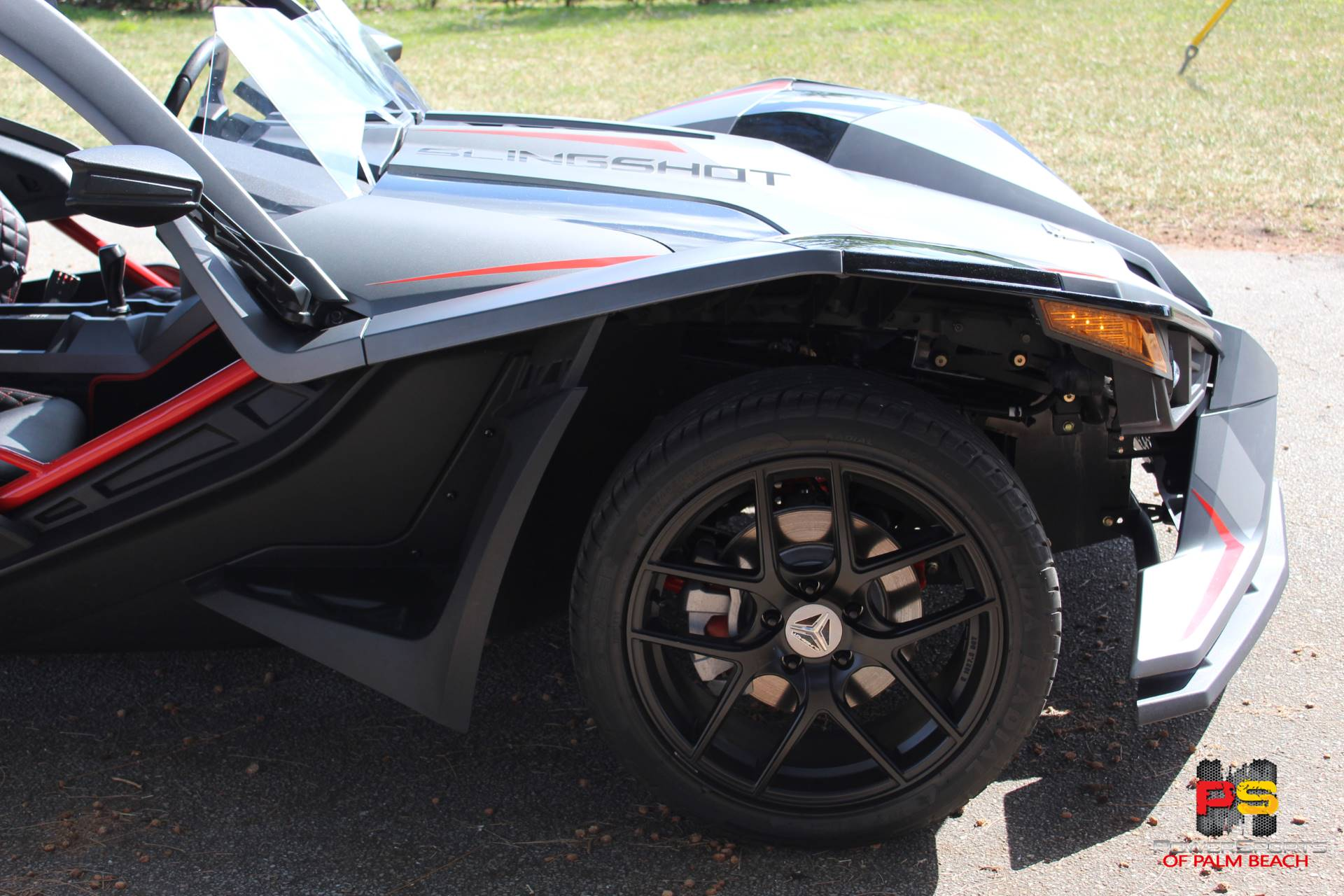 2018 Slingshot Slingshot Grand Touring LE in Lake Park, Florida - Photo 9
