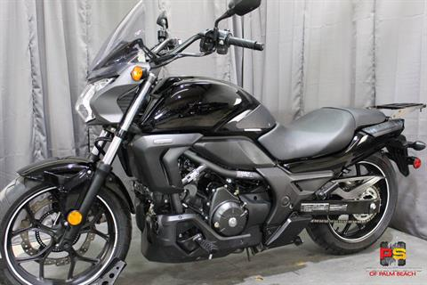 2014 Honda CTX®700N DCT ABS in Lake Park, Florida - Photo 15