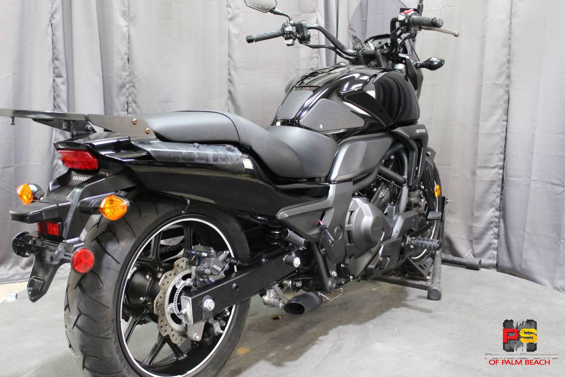 2014 Honda CTX®700N DCT ABS in Lake Park, Florida - Photo 28