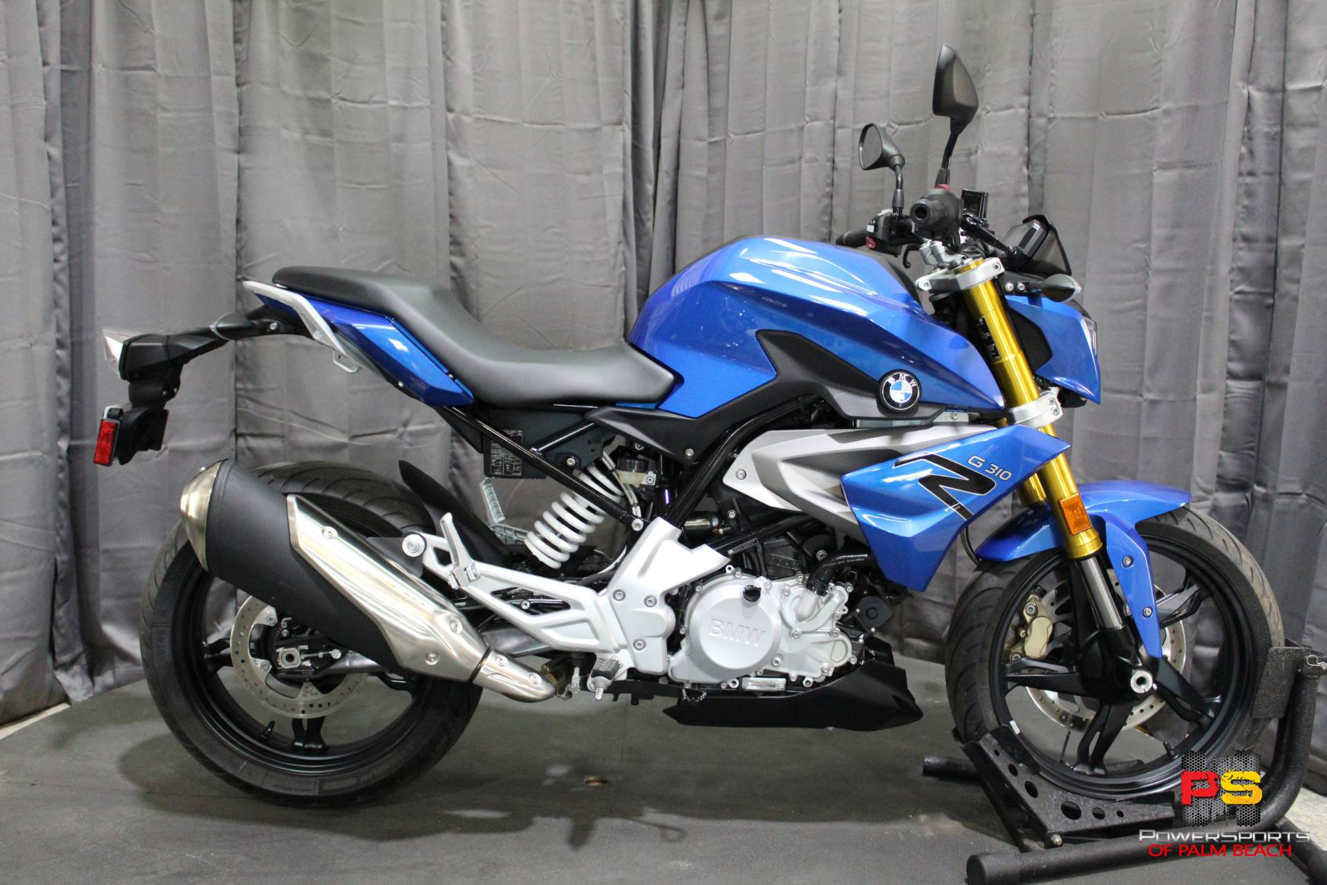 2018 BMW G 310 R in Lake Park, Florida - Photo 2