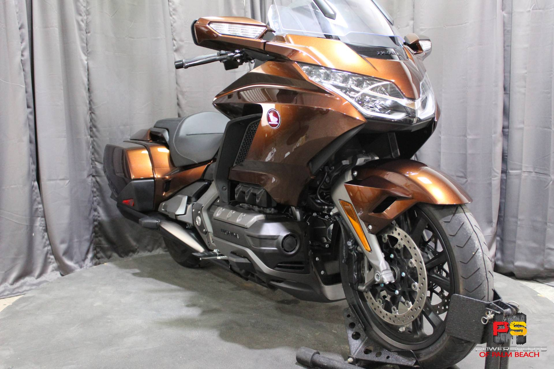 2018 Honda Gold Wing in Lake Park, Florida - Photo 9