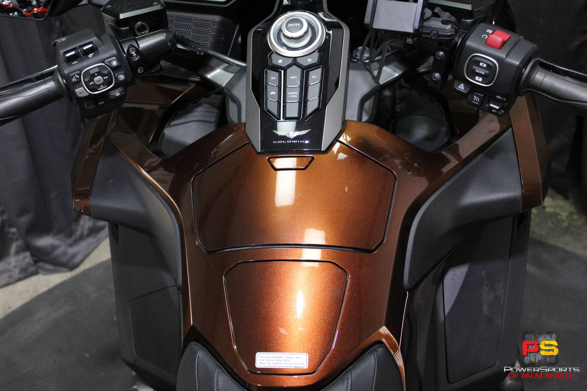 2018 Honda Gold Wing in Lake Park, Florida - Photo 34