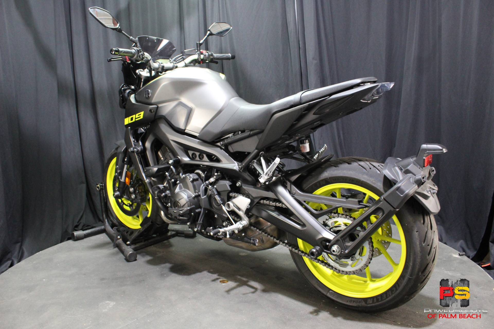 2018 Yamaha MT-09 in Lake Park, Florida