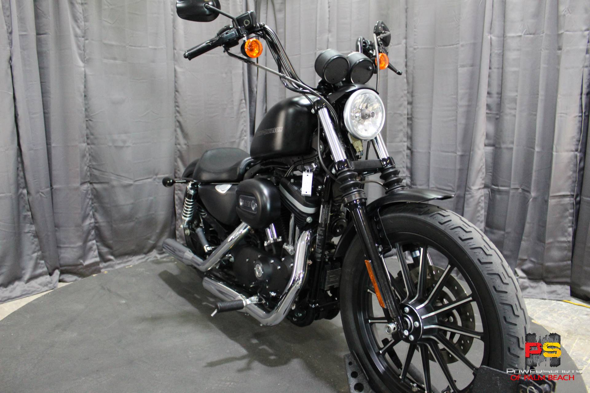 2010 Harley-Davidson Sportster® Iron 883™ in Lake Park, Florida - Photo 9
