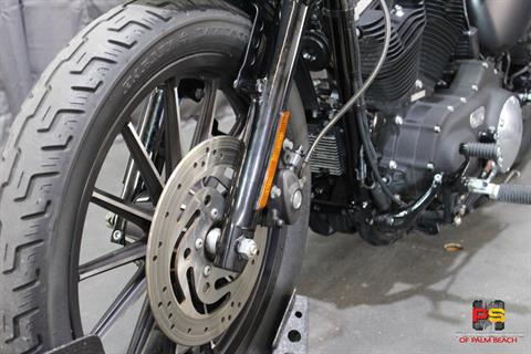 2010 Harley-Davidson Sportster® Iron 883™ in Lake Park, Florida - Photo 14