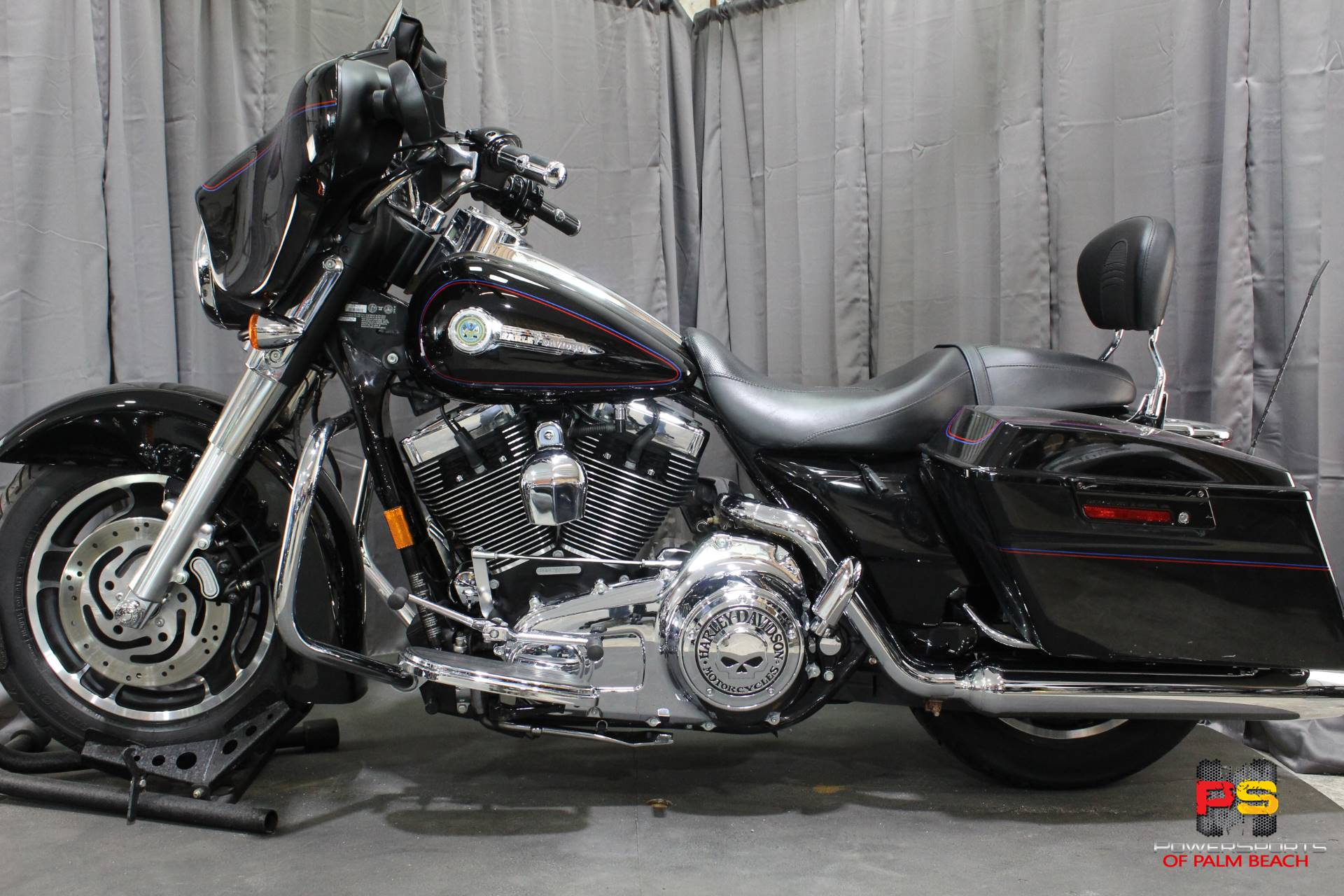2007 Harley-Davidson Street Glide™ in Lake Park, Florida - Photo 16