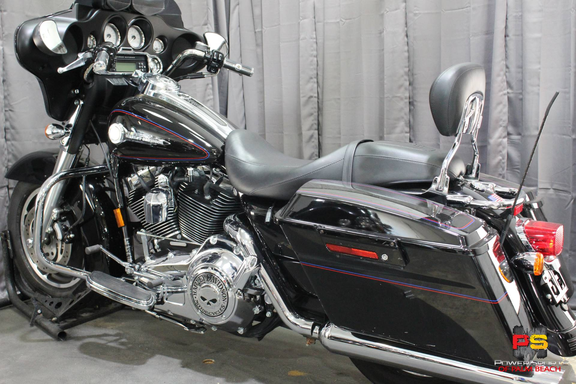 2007 Harley-Davidson Street Glide™ in Lake Park, Florida - Photo 23