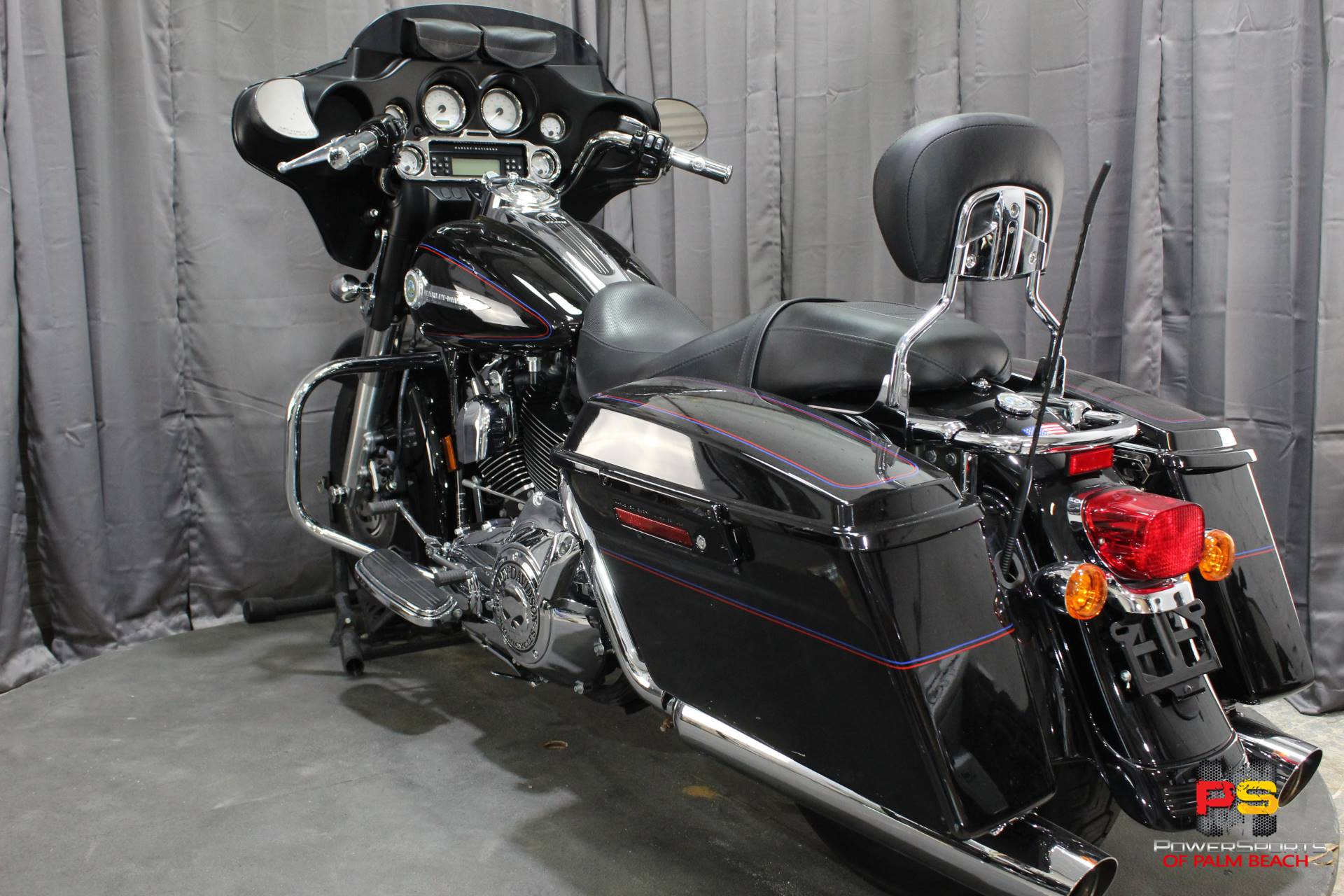 2007 Harley-Davidson Street Glide™ in Lake Park, Florida - Photo 24