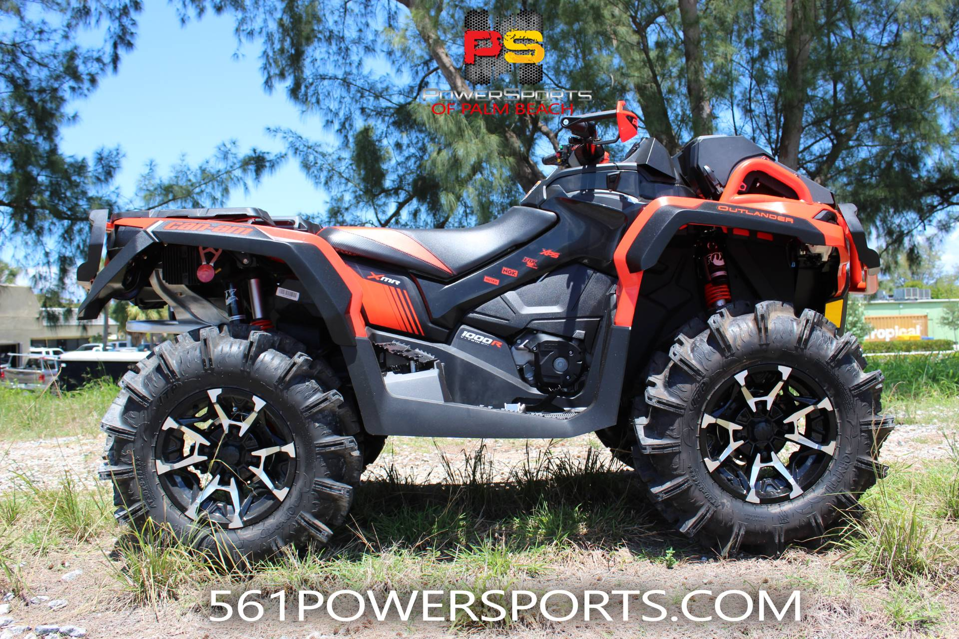2018 Can-Am Outlander X mr 1000R in Lake Park, Florida - Photo 1