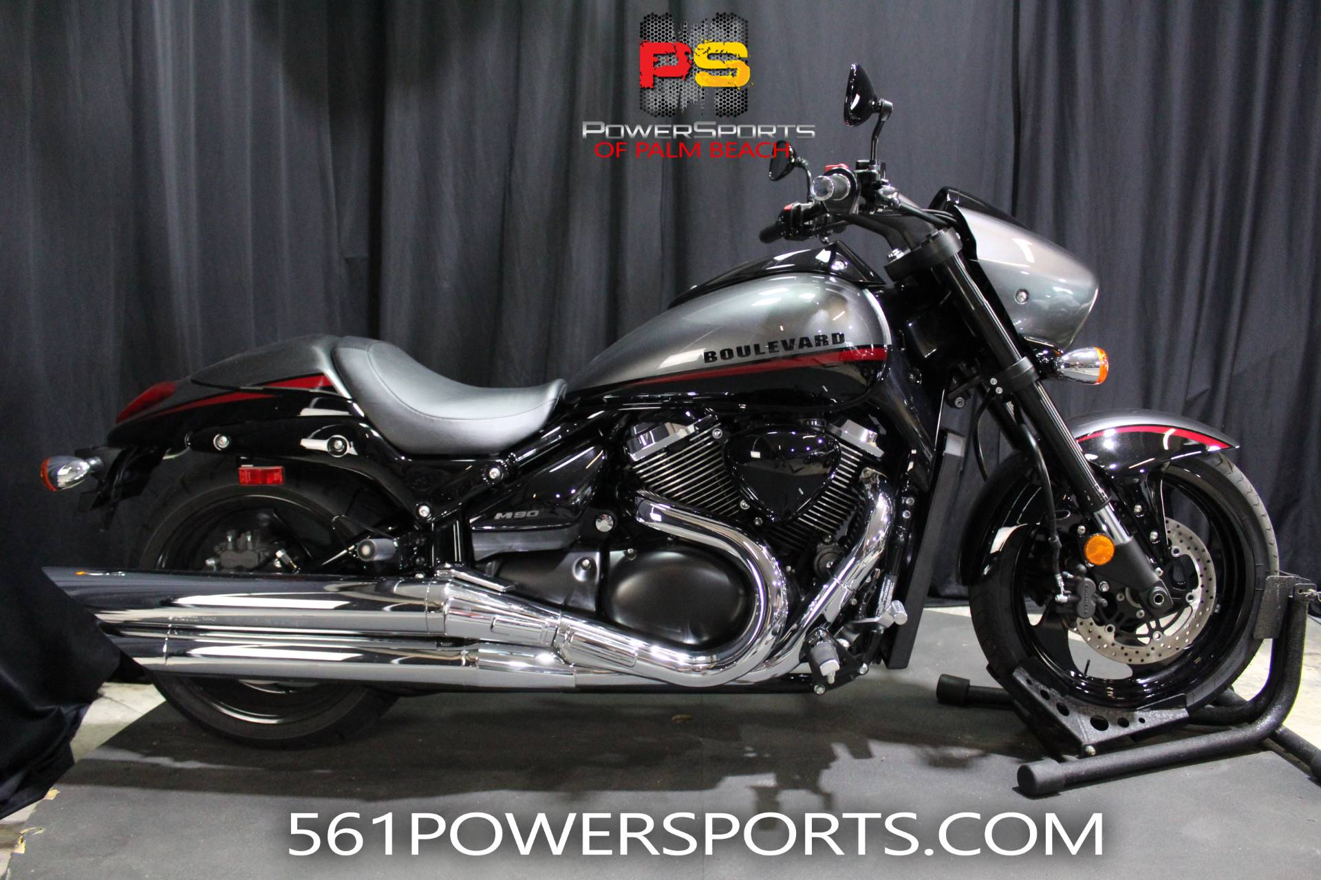 2019 Suzuki Boulevard M90 in Lake Park, Florida - Photo 1