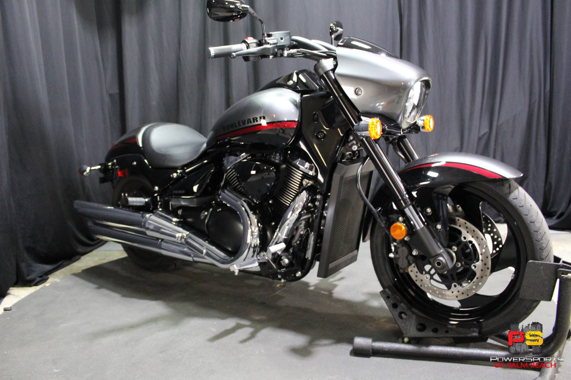 2019 Suzuki Boulevard M90 in Lake Park, Florida - Photo 8