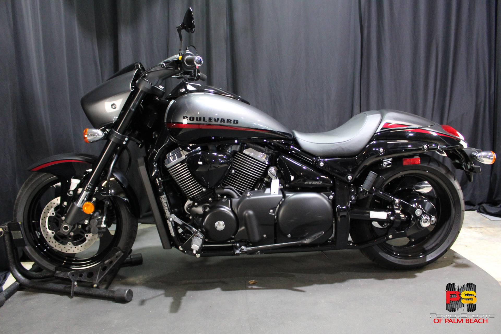 2019 Suzuki Boulevard M90 in Lake Park, Florida - Photo 16