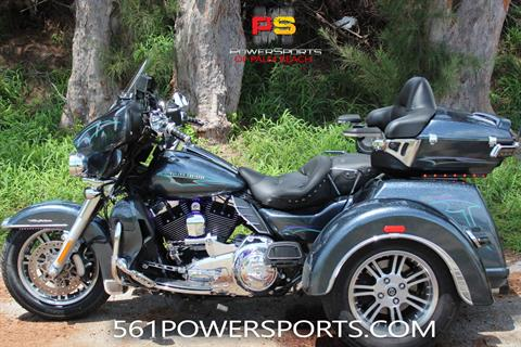 2015 Harley-Davidson Tri Glide® Ultra in Lake Park, Florida - Photo 1