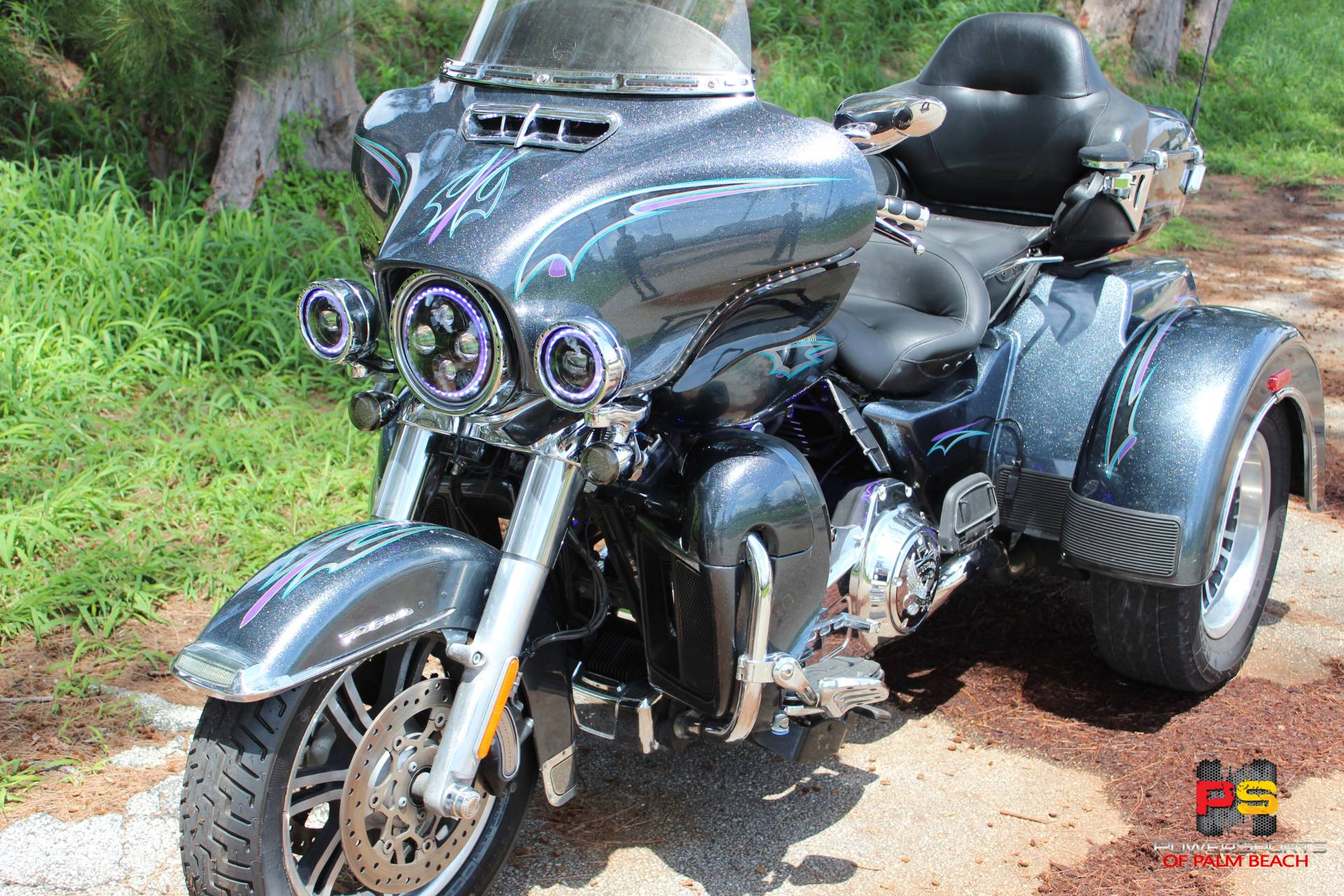 2015 Harley-Davidson Tri Glide® Ultra in Lake Park, Florida - Photo 8