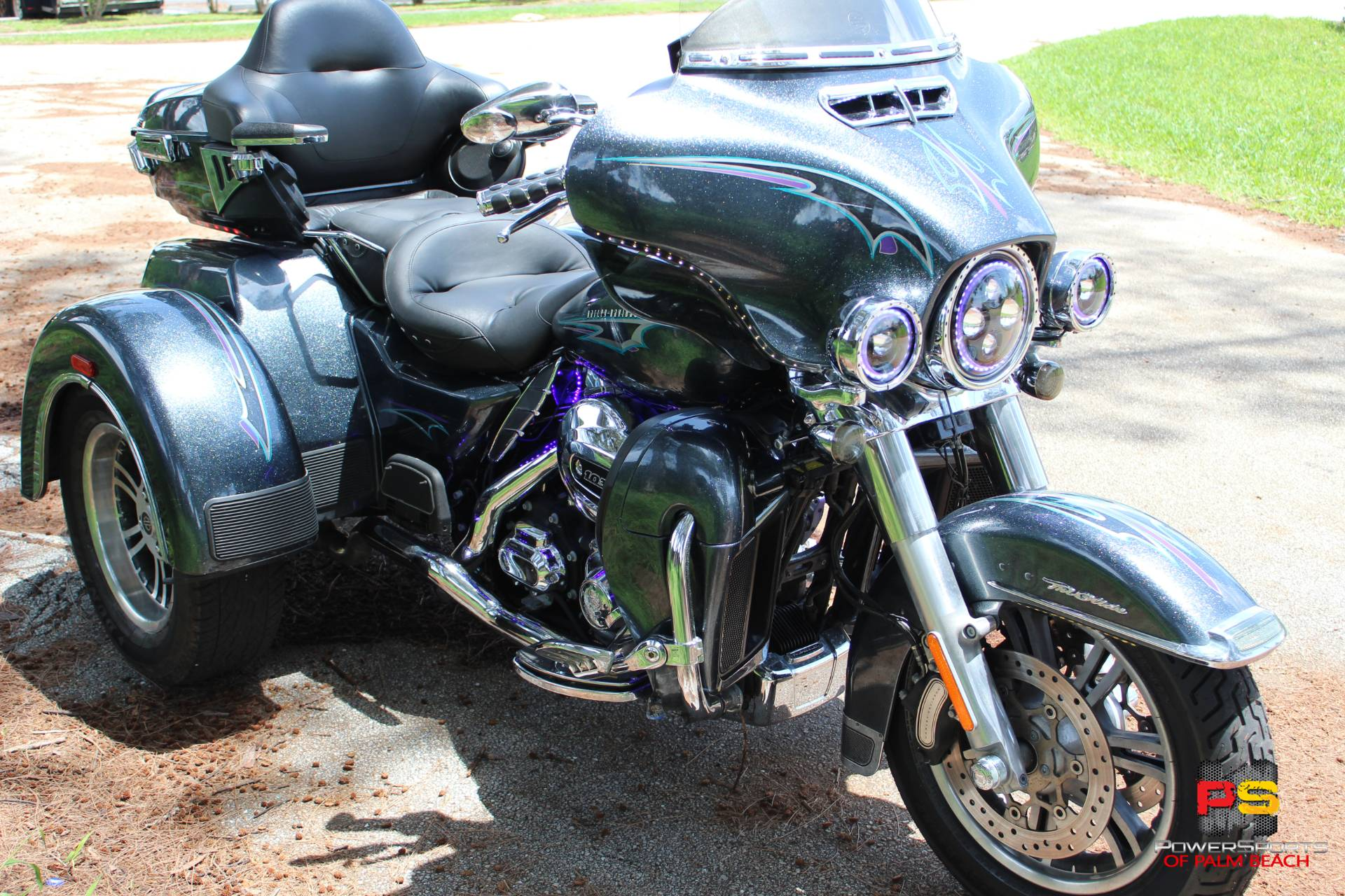 2015 Harley-Davidson Tri Glide® Ultra in Lake Park, Florida - Photo 11