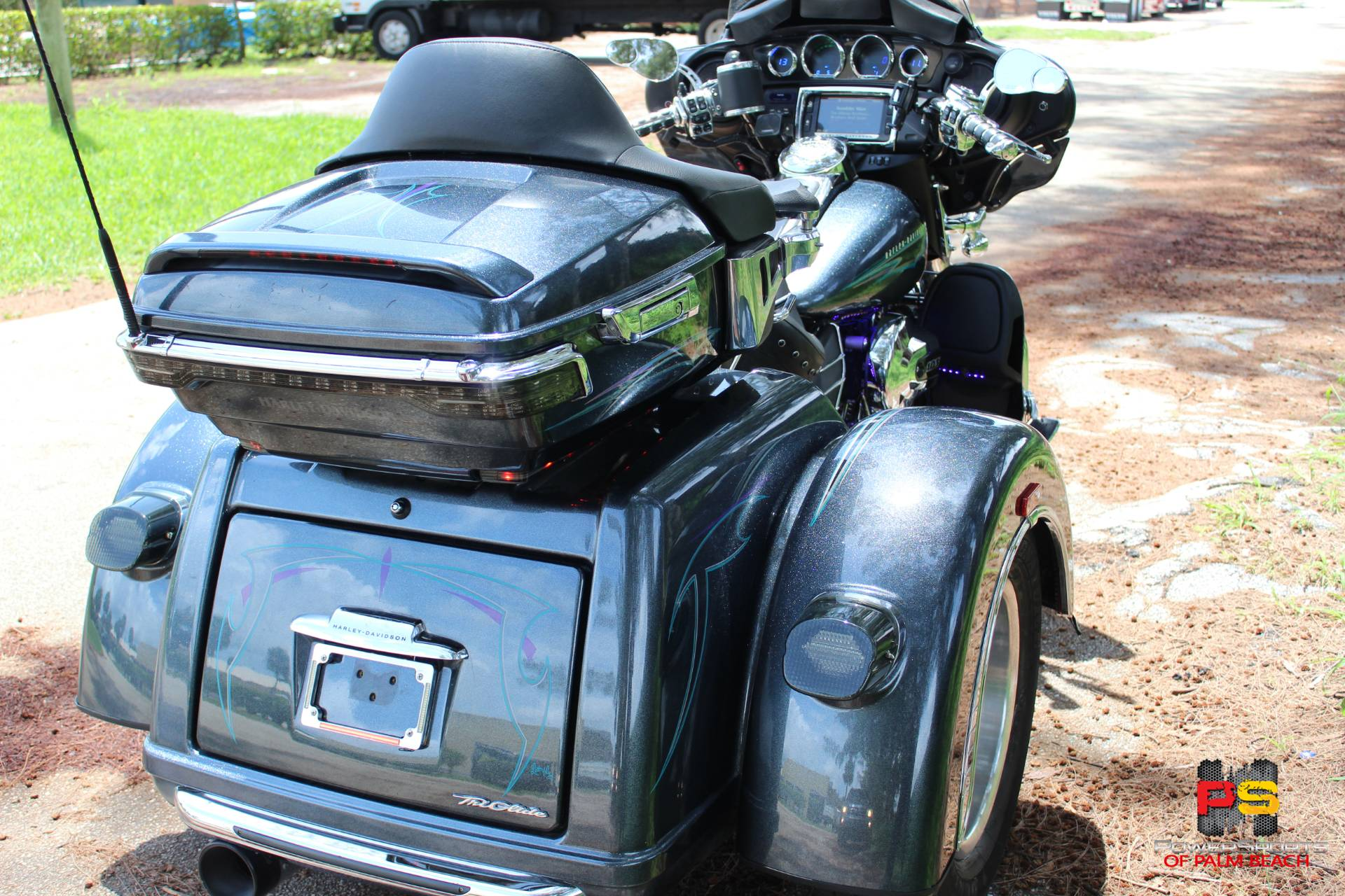 2015 Harley-Davidson Tri Glide® Ultra in Lake Park, Florida - Photo 21