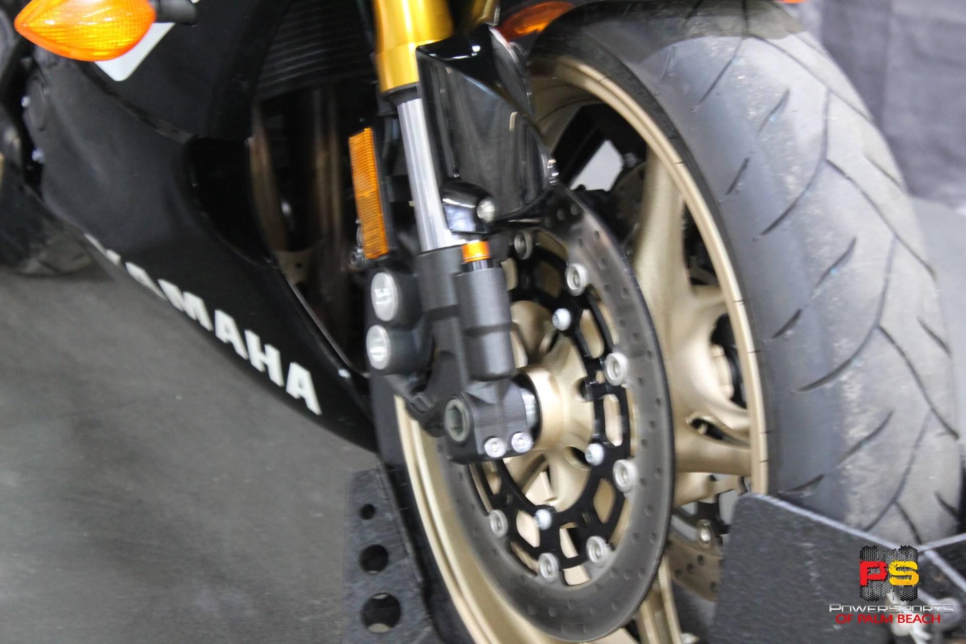 2016 Yamaha YZF-R6 10
