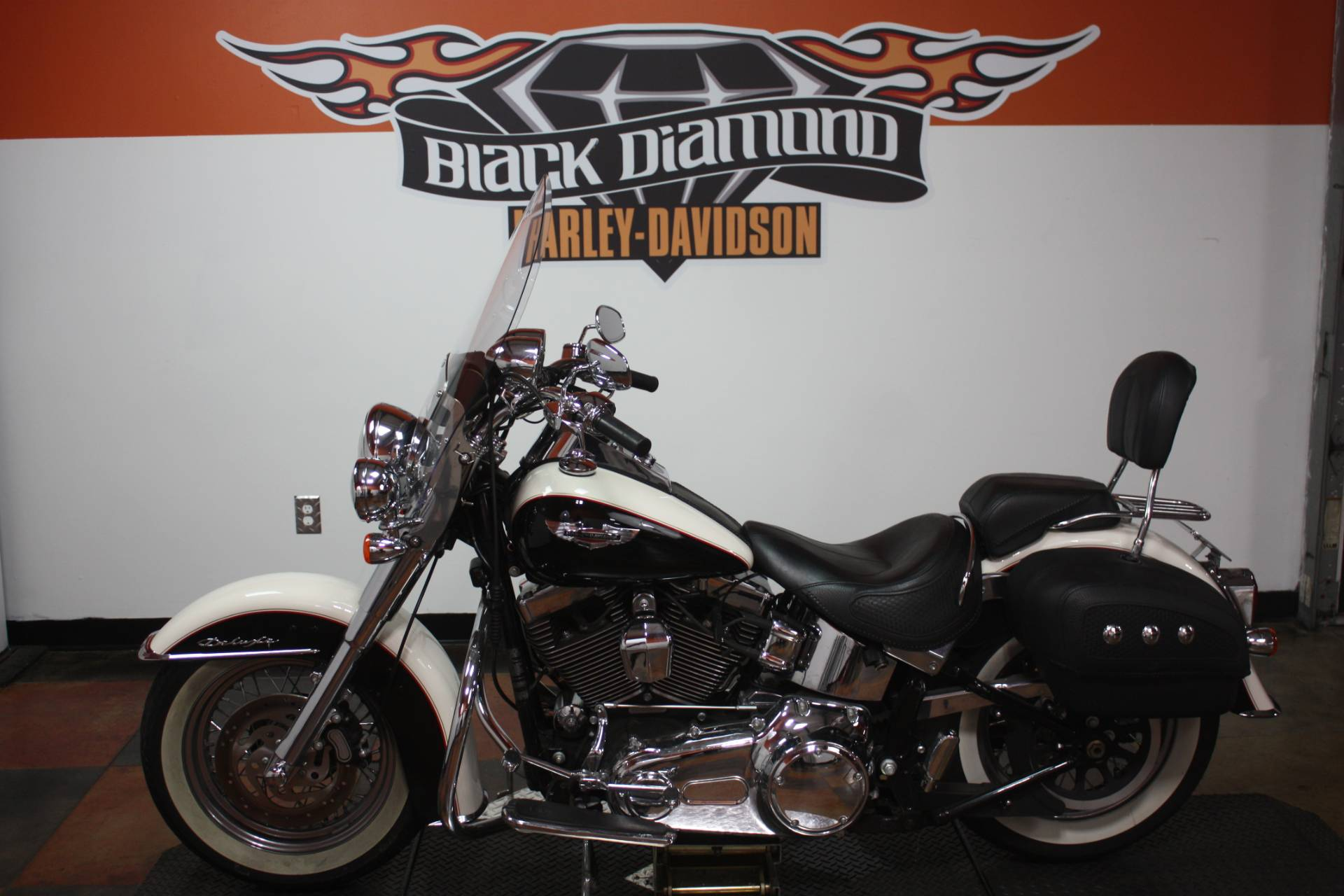 2011 Harley-Davidson Softail® Deluxe in Marion, Illinois - Photo 3