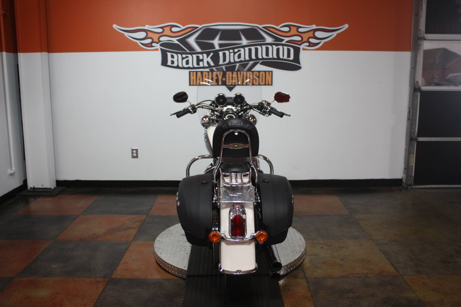 2011 Harley-Davidson Softail® Deluxe in Marion, Illinois - Photo 2