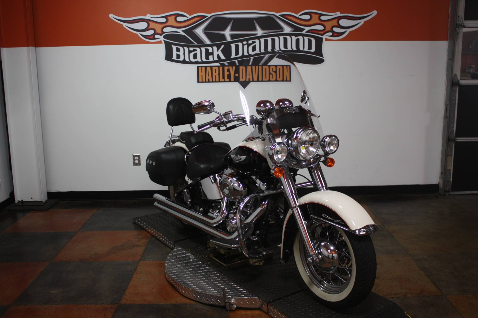 2011 Harley-Davidson Softail® Deluxe in Marion, Illinois - Photo 4