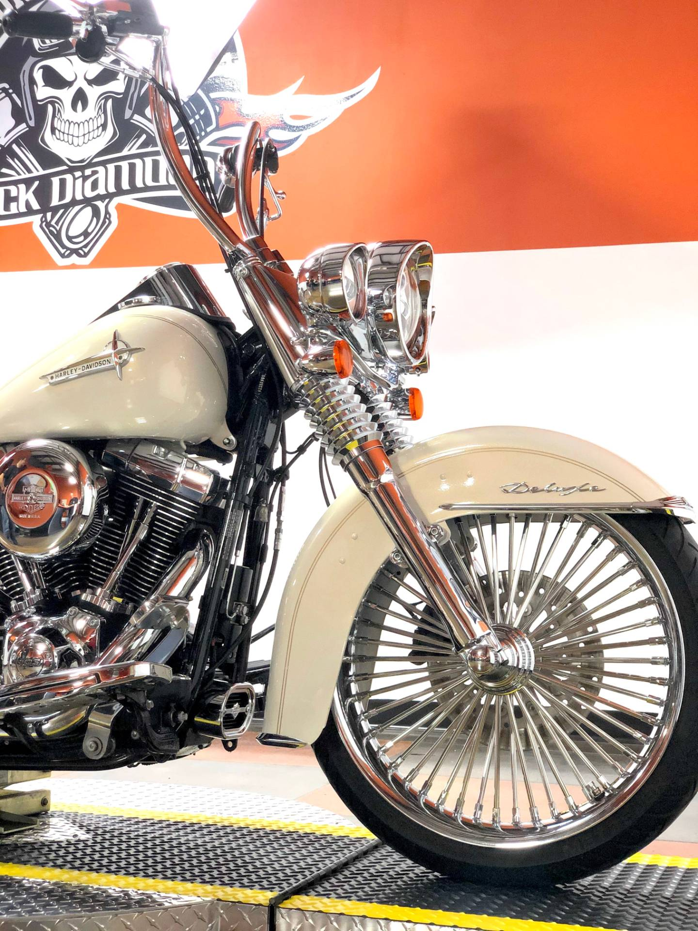 2014 Harley-Davidson Softail® Deluxe in Marion, Illinois - Photo 2